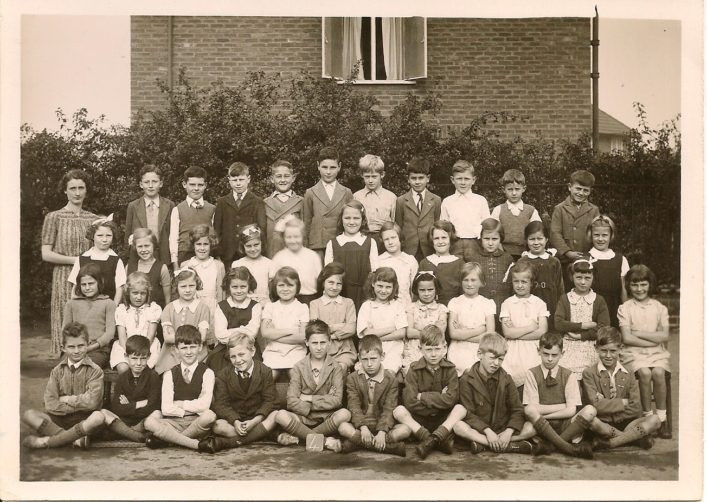 The last of Irene Chapman's (nee Phillips) school photos. 1941 Class 4.