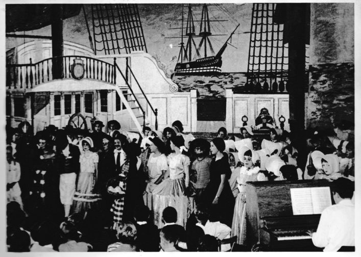 The entire cast during the performance of HMS Pinafore. July 1968 | Sue Walker