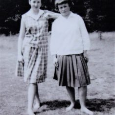 Gloria Boyes, Linda Grant