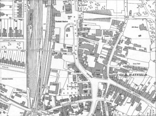 OS Map TL 2308 dated 1962 25 iches to 1 mile, Graveyard and Chapmans Yard | Hertfordshire archives and Local Studies