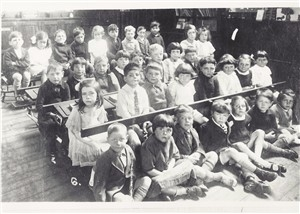 A class photograph from 1926   Hatfield Library