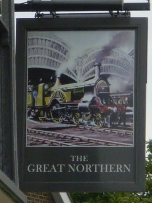 2) Turning south you see the Great Northern PH (formerly the Hatfield Arms and before that the Great Northern Hotel) . | Jean Cross