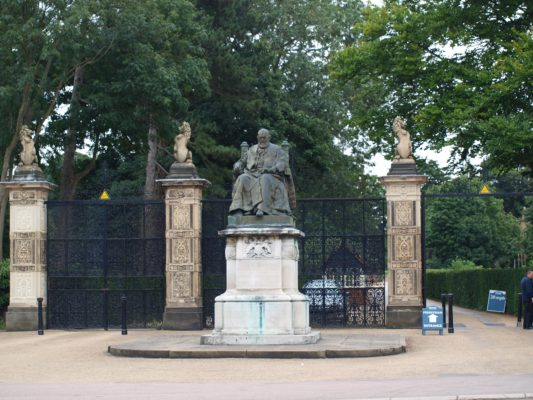 1)Entrance to Hatfield House with statue of Robert Arthur Talbot, Marquis of Salisbury 1830 -1903. | Jean Cross