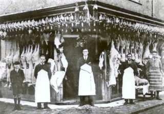 Walby the butchers c. 1930 on the corner of Park Street & Arm and Sword Yard