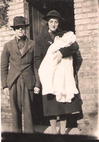 Robert,Beatrice Hembury & daughter Violet | Robert Hembury